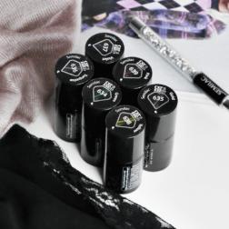 Kosmos, szampan i marsala w jednym manicure: Semilac Cat Eye 3D