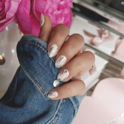 Skorupkowy manicure z przepiękną, brudną bielą i morelą + nowa kolekcja Semilac