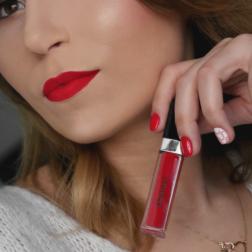 Walentynkowy duet – czerwień na ustach i paznokciach